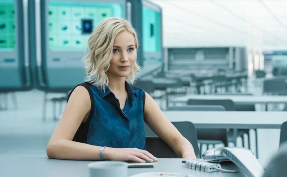 Una scena di Passengers con Jennifer Lawrence