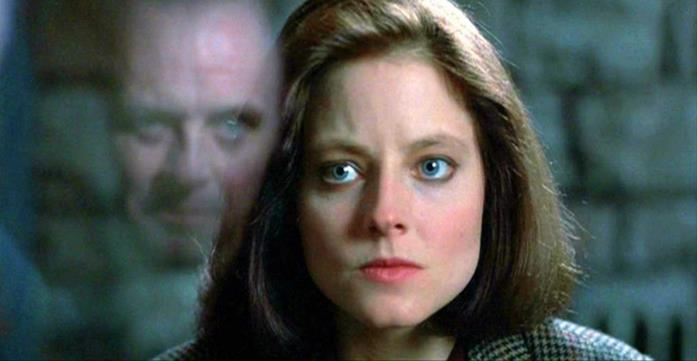 Clarice guarda Hannibal