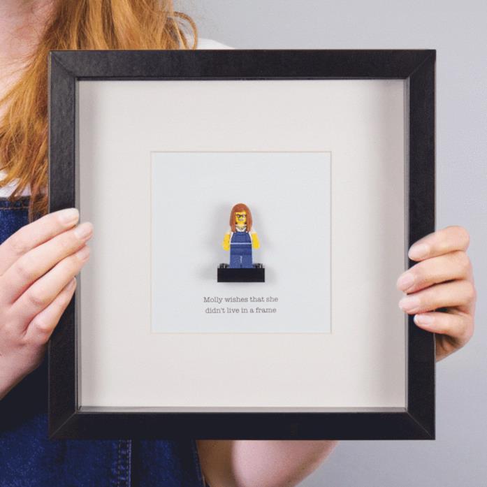 Minifigure LEGO personalizzata e incorniciata