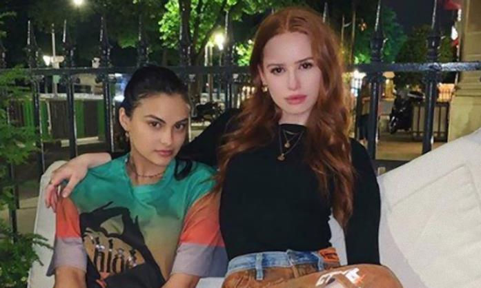 Le star di Riverdale Camila Mendes e Madelaine Petsch