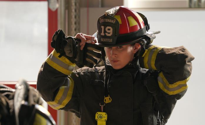 Jaina Lee Ortiz è Andy Herrera, foto dal set di Station 19