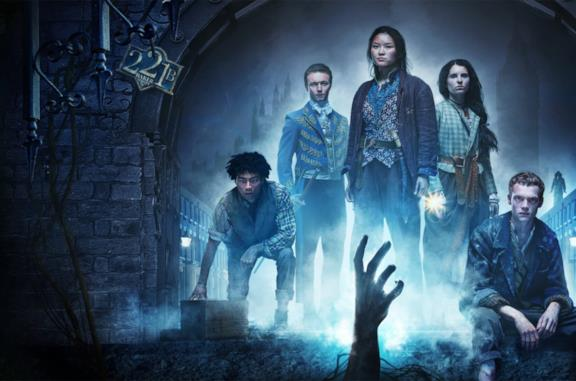 """Gli irregolari di Baker Street è una """"regolare"""" storia di mostri, mistero e teenager coraggiosi"""