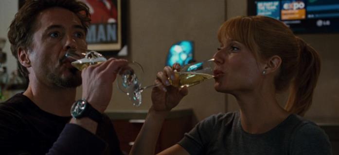 Tony Stark e Pepper Potts bevono insieme