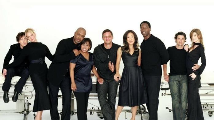 Un'immagine col cast di Grey's Anatomy