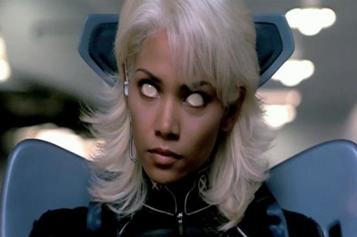 Halle Berry è Tempesta in X-Men 2