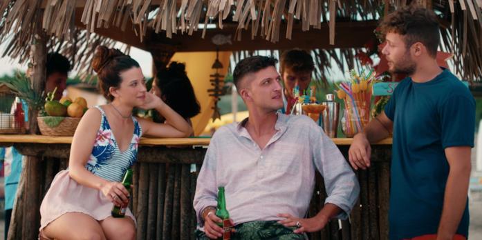 Lola, Dario e Ale in una scena di Summertime 2