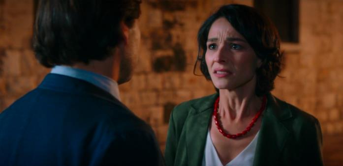 Valeria incontra l'amante della sorella suicida e litiga con lui