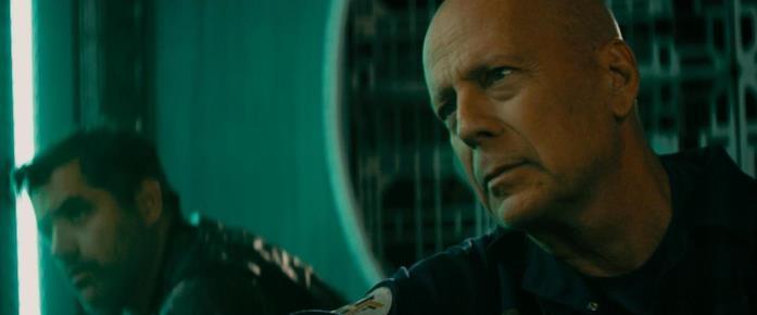 Bruce Willis in una scena del film Anti-Life