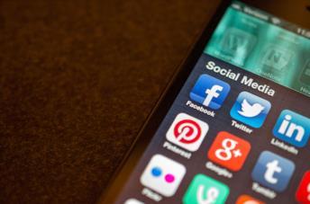 Le app dei social su uno smartphone