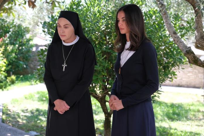 Elena Sofia Ricci e Francesca Chillemi in Che Dio ci aiuti 6