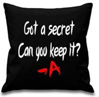 "Copricuscino con scritta ""Got a Secret can you Keep it – A"""