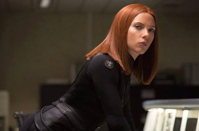 Black Widow in una scena del film