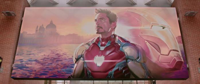 Iron Man in un quadro all'aeroporto di Venezia