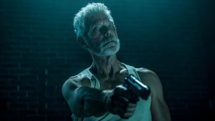 Stephen Lang nel film Man in the Dark
