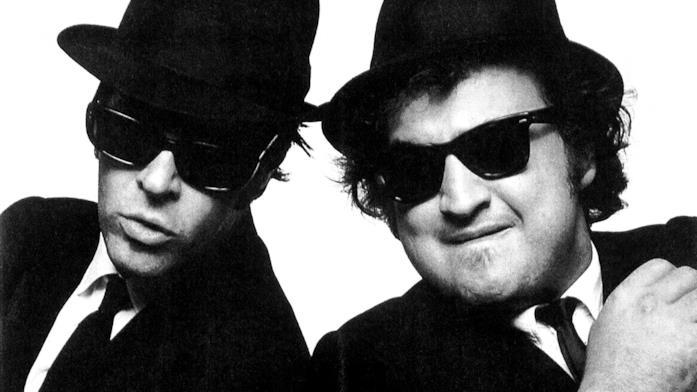 Primo piano di John Belushi e Dan Aykroyd in The Blues Brothers