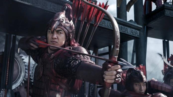 Andy Lau si prepara a scoccare una freccia