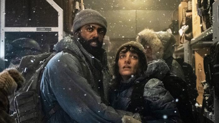 Il detective Layton prima di salire sullo Snowpiercer