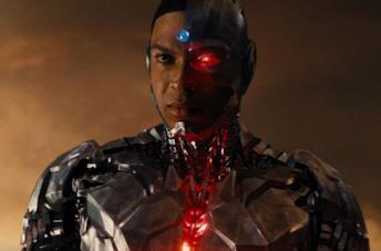 Ray Fisher nei panni di Cyborg