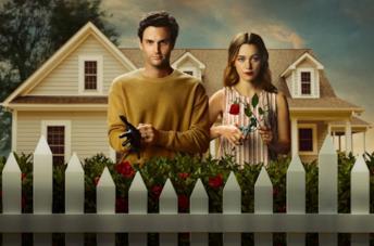 Penn Badgley e Victoria Pedretti nella terza stagione di You