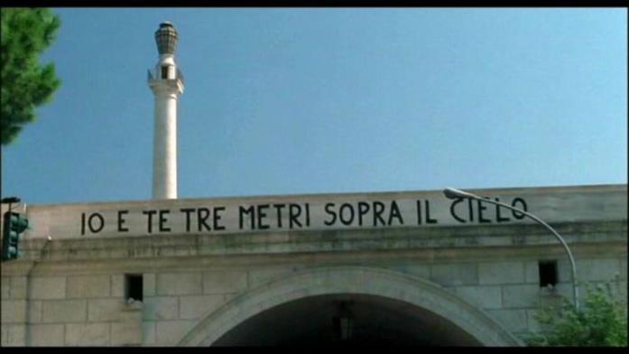 La scritta sul ponte di Tre metri sopra il cielo