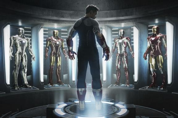 Iron Man nella sala delle armature