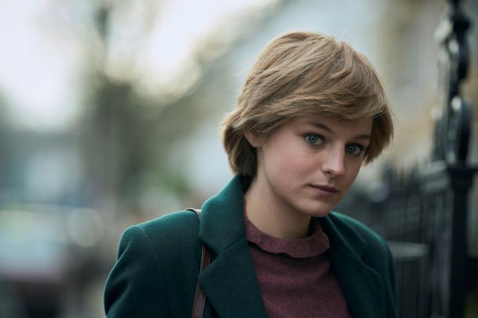 Emma Corrin è Lady Diana in The Crown 4