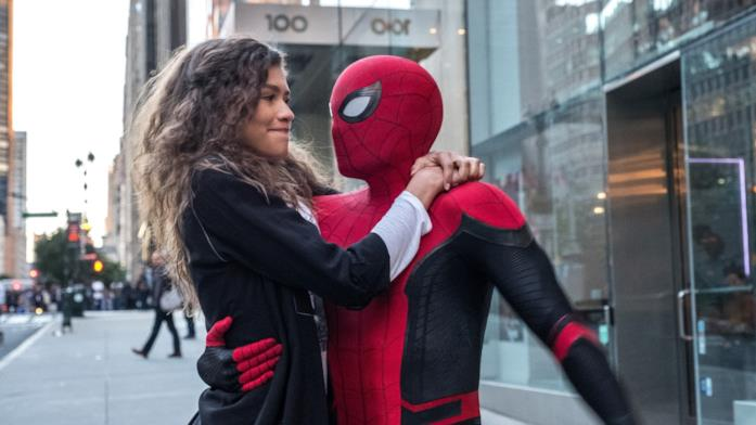 tom holland e zendaya nel finale di spider-man far from home