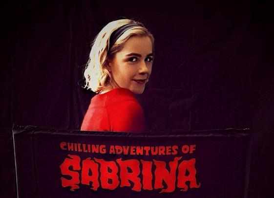 Kierman Shipka nei panni di Sabrina Spellman