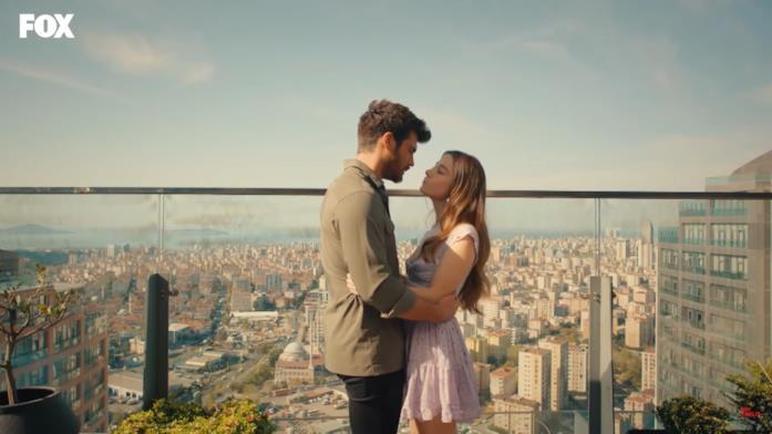 Ezgi e Özgür si sposano nel finale di Mr. Wrong?