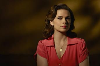 Hayley Atwell è Peggy Carter
