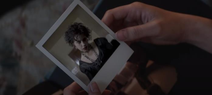 La polaroid con Fairuza Balk in una scena del film Il rito delle streghe