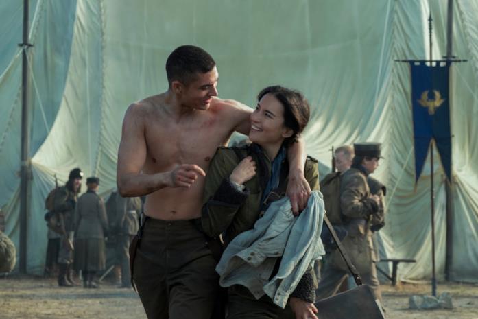 Alina e Malyen sul campo militare