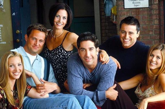 Friends, la strana teoria su Phoebe e il senso della serie che fa discutere (anche Marta Kauffman)