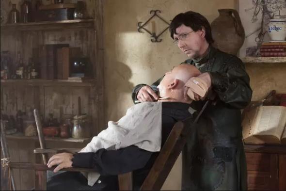 Il micidiale Thomas Dinley è interpretato da Marylin Manson
