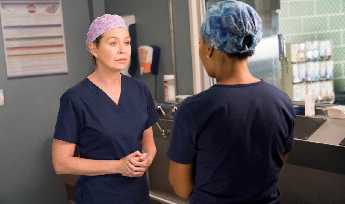 Ellen Pompeo nel ruolo di Meredith in una scena di Grey's Anatomy