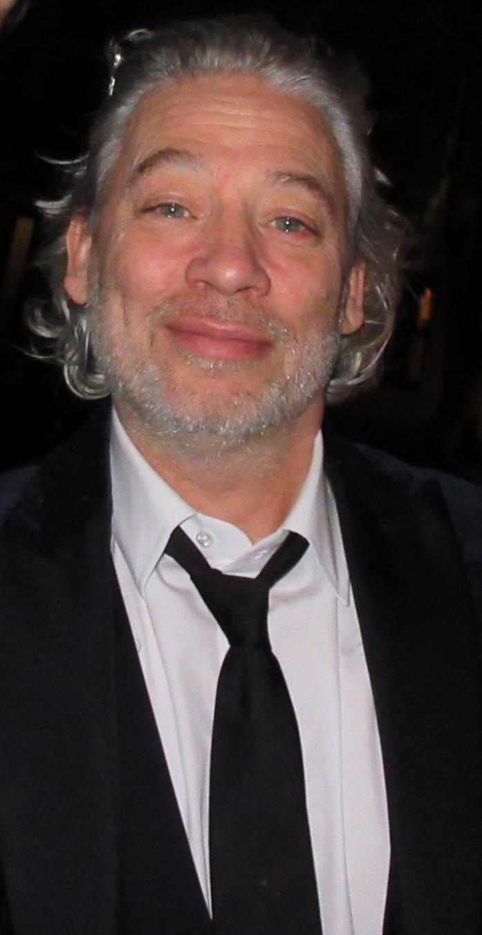 Dexter Fletcher dirigerà un film sullo scagnozzo di Dracula, Renfield