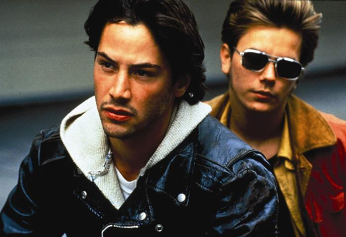 Keanu Reeves e River Phoenix in una scena del film Belli e dannati