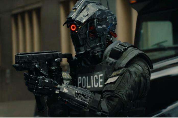 Un'immagine di un poliziotto robot in Code 8