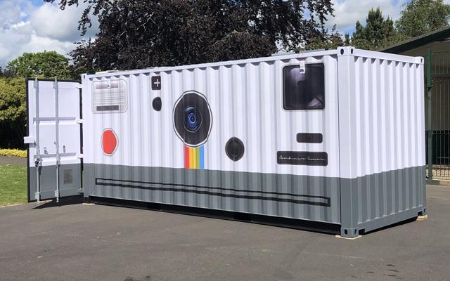 Esterno del container-Polaroid