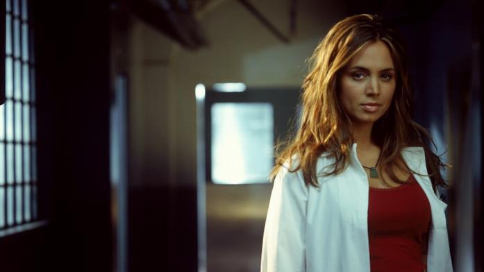 Eliza Dushku nei panni di Tru Davies
