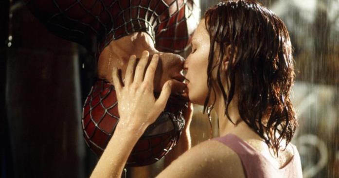 Tobey Maguire e Kirsten Dunst in una scena di Spider-Man