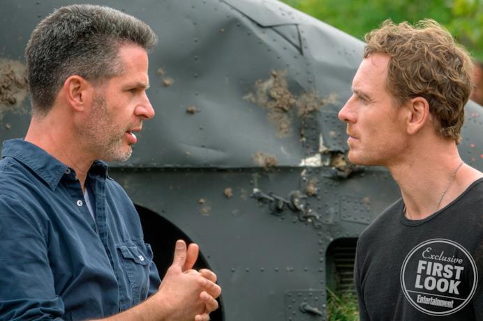 "Il regista Simon Kinberg e Michael ""Magneto"" Fassbender sul set"