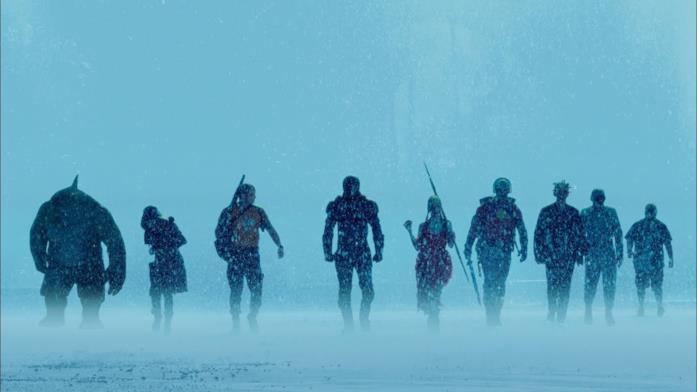 La squadra di Bloodsport sotto la pioggia