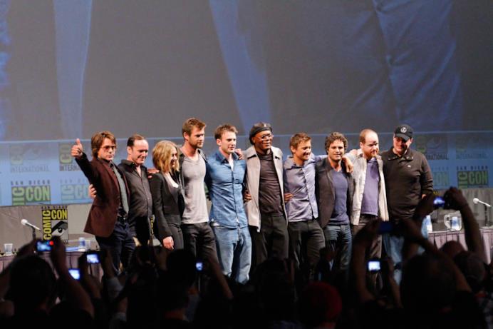 Il cast di The Avengers con Joss Whedon e Kevin Feige