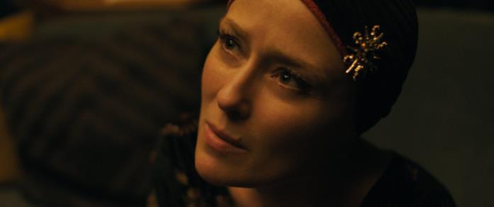 Jennifer Ehle in una scena del film Saint Maud