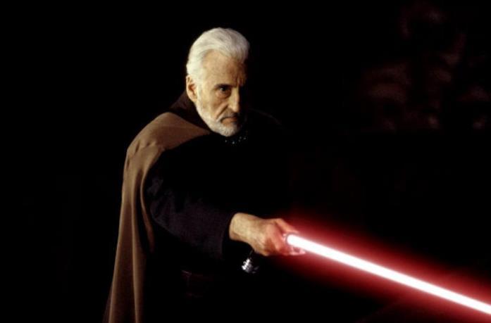 Christopher Lee nel ruolo del Conte Dooku in Star Wars – L'attacco dei cloni