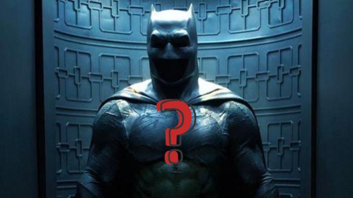 Il costume di Batman correlato da un punto interrogativo
