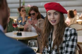 Una scena di Emily in Paris