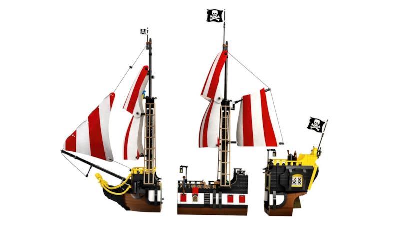 Le tre parti della nave dei pirati LEGO
