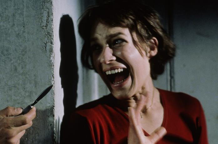 Franka Potente in una scena del film Anatomy